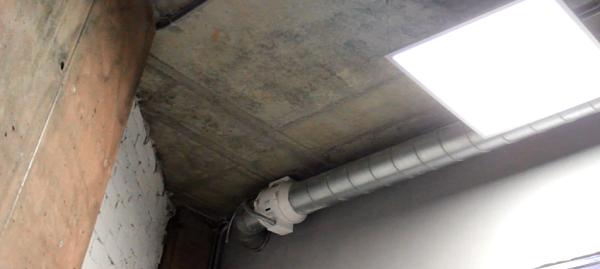 Канальный вентилятор в офисе - применение с воздуховодом