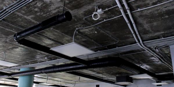Система воздуховодов и вентиляции в офисе Loft