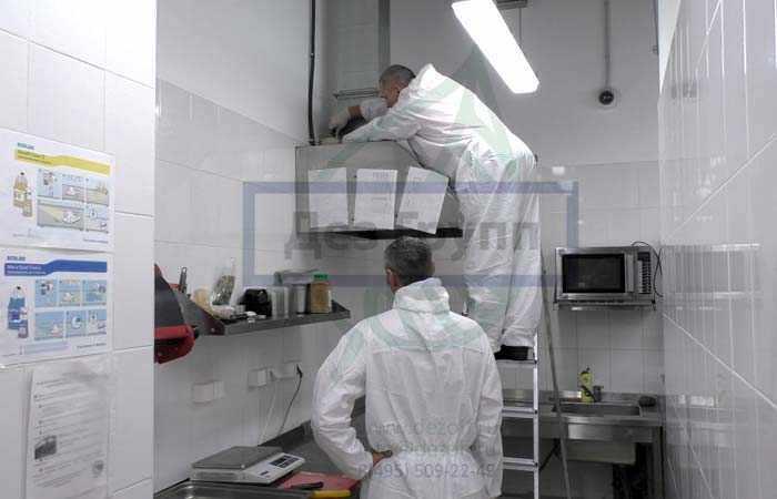 Чистка вентиляции в ресторане и кафе в кухонной зоне