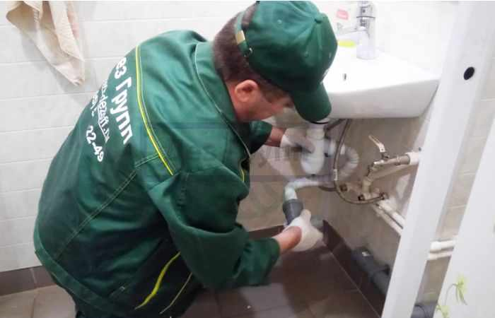 Как устранить засор в канализационной трубе - способы чистки