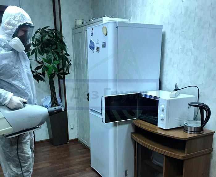 Морить тараканов в офисе Москва