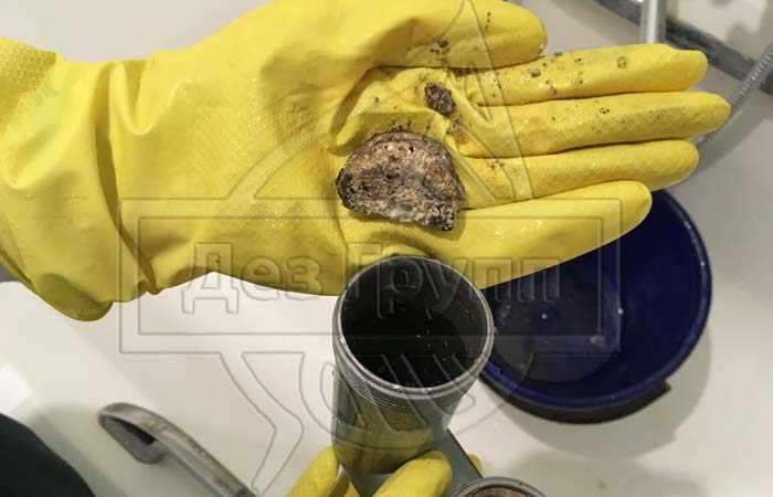 Как прочистить стояк канализации самому?