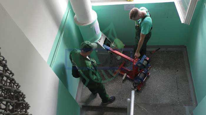 Как чистят мусоропровод в многоквартирном доме
