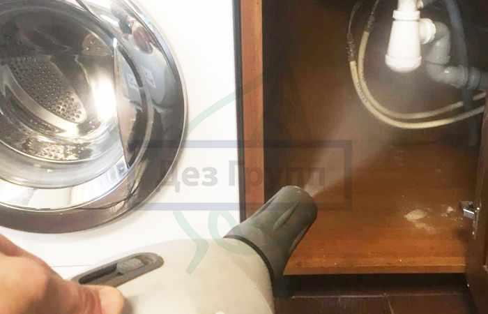 Санитарная обработка помещений от тараканов - горячий туман